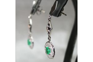 Orecchini con smeraldo